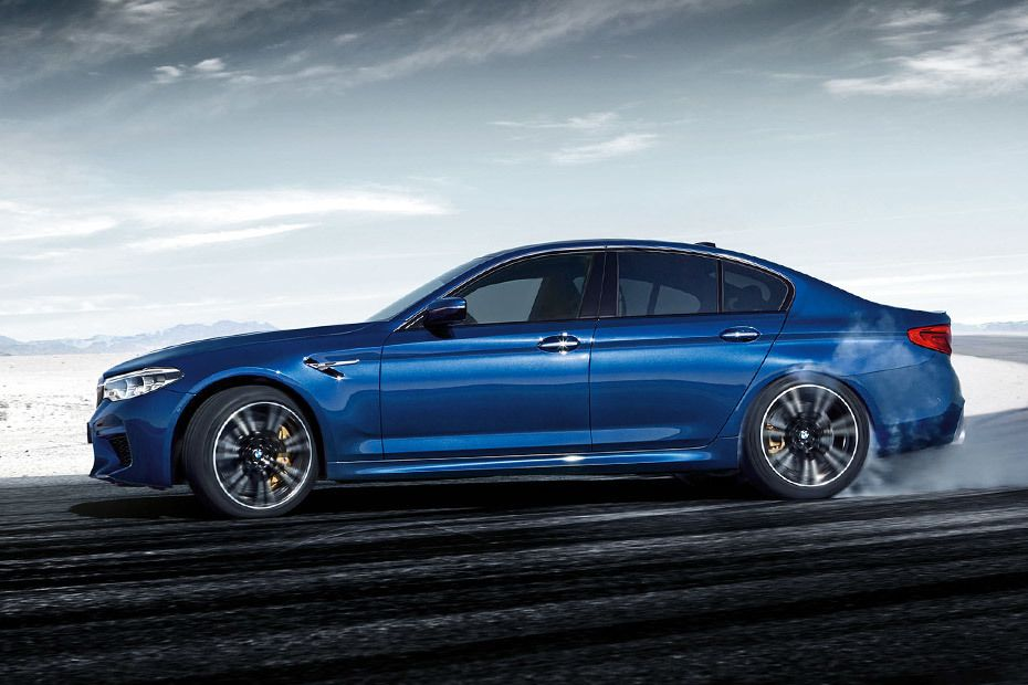 bmw-m5-sedan-side-view-572315