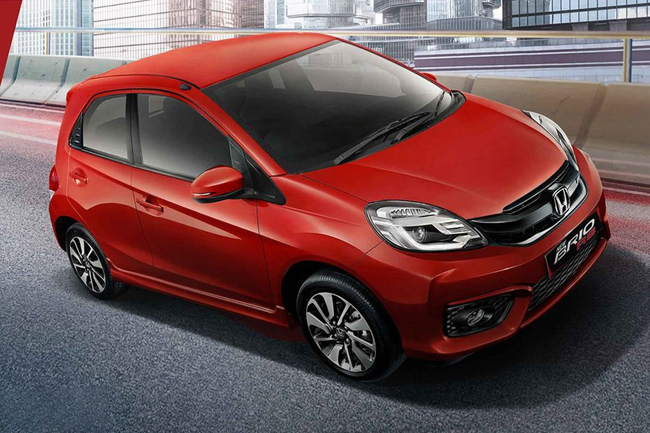 honda-brio-front-cross-side-view-991356