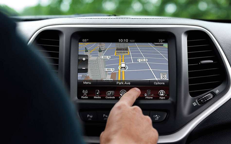 Jeep Cherokee Uconnect (jeep.co.id)
